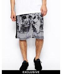 Reclaimed Vintage - Bedruckte Shorts in limitierter Auflage - Weiß
