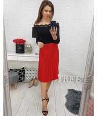 04527baabb84 Červená plisovaná sukňa Virgin