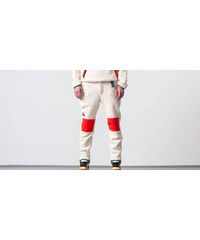Jednofarebné Pánske nohavice z obchodu Footshop.sk - Glami.sk 32a819d75272