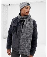 Calvin Klein čepice se slevou 20 % a více - Glami.cz 35e681d140