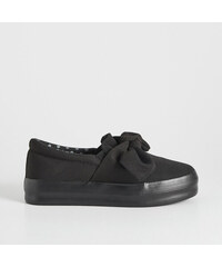 Sinsay - Slip on cipő masnival - Fekete 015c88004d