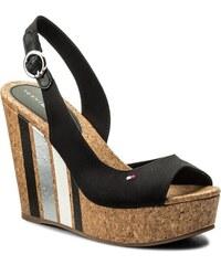 611d3d02c7b Tommy Hilfiger dámské černé sandály
