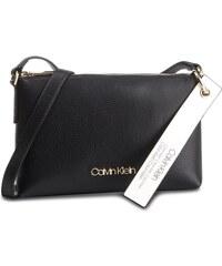 Calvin Klein Dámská crossbody kabelka Ck Base Small K60K604425 ... 846b10dd2aa