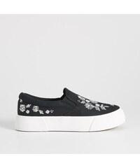 Sinsay - Virághímzéses cipő - Fekete 446a9a2abb