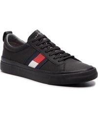 2673fb0d1ebb Tenisky TOMMY HILFIGER - Flag Detail Leather Sneaker FM0FM01712 Black 990