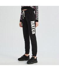 Sinsay - Teplákové kalhoty s nápisem - Černý. 299 Kč d32d464a557
