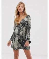 695b6f45fa4 Boohoo wrap mini dress in leopard print - Multi