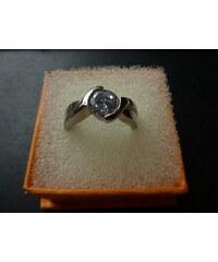 Prsten z chirurgické ocele s krystalem