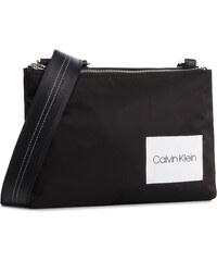 ca76cc041c Calvin Klein, Fekete Női táskák | 160 termék egy helyen - Glami.hu