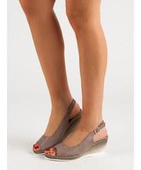 326446394e9b Béžové dámské sandály