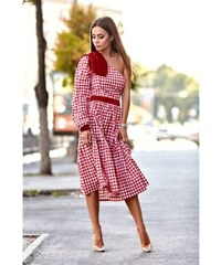 6cc6a9df1f95 Dress code Karo- Šaty na jedno rameno s aplikáciou červené