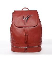 a54979c675 Červené dámské batohy z imitované kůže