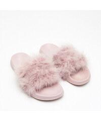 31d6fb1bbc2b Cropp - Pantofle s umělým kožíškem - Krémová