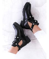 19df76c9c638 www.glashgirl.sk Čierne členkové topánky s výrezmi
