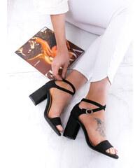 d15b3afe5b www.glashgirl.sk Čierne sandále na hrubom opätku