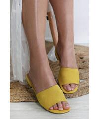 d45f58df617c Kožené papuče v zlatej farbe na platforme Tamaris - Glami.sk