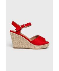 67f254f643 Červené Dámske topánky na platforme