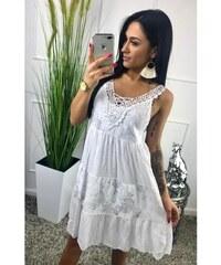 9925bef68131 BudTrendy Dlhé biele šaty s krajkou v oblasti dekoltu
