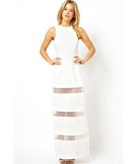 Bílé dlouhé šaty se sukní s tylovými pruhy