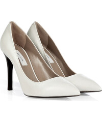 Marc Jacobs Leather Pumps in White