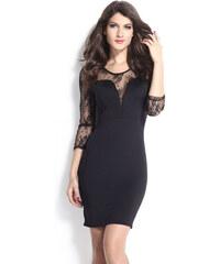 Přiléhavé černé šaty s dlouhými tylovými rukávy