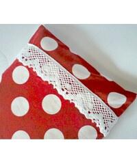 Nahřívací polštářek červený s bílou krajkou