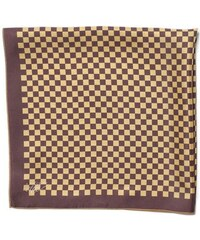 Hedvábný šátek se zlatohnědou kostičkou, A Piece of Chic