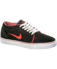 Nike Satire Mid Sneaker