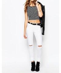 Noisy May - Devil - Enge Jeans mit zerschlissenem Knie - Weiß