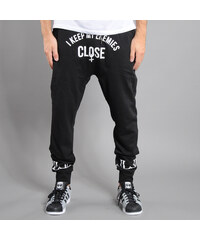 Roca Wear Keep Enemies Fleece Pant černé