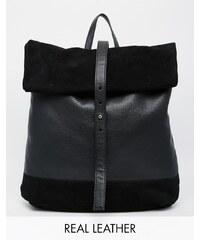 ASOS - Sac à dos en cuir et daim avec dessus roulé - Noir