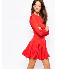 Fallen Star - Ausgestelltes Kleid mit Tellerrock - Rot