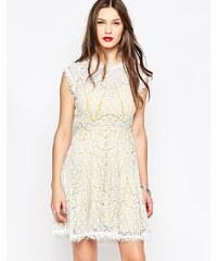 Adelyn Rae - Spitzenkleid in Weiß und Gelb - Mehrfarbig