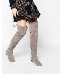 Daisy Street - Flache Overknee-Stiefel mit Schnürung hinten in Grau - Grau