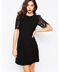 Warehouse - Kleid mit Spitzenärmeln und Knopfleiste vorne - Schwarz