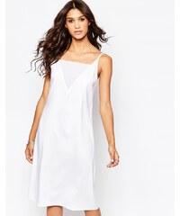 AKA - Robe mi-longue style caraco échancrée dans le dos - Blanc