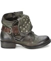 Dream in Green Boots TAWFIQ