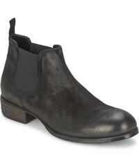 JFK Boots GAS