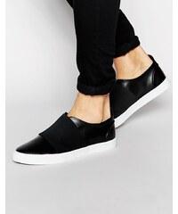 ASOS - Schwarze Sneakers zum Hineinschlüpfen mit elastischem Einsatz - Schwarz