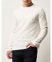 RI Bílý svetr s texturou