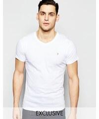Farah - T-shirt cintré à col V et logo F exclusivité ASOS - Blanc