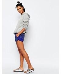 Nike - Mini - Shorts mit Punkten - Blau