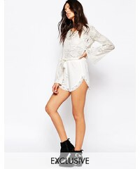 Rokoko - Shorts mit Spitzensaum und Kordelzug - Cremeweiß