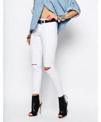 Noisy May - Devil - Hochtaillierte Skinny-Jeans mit Schlitzen an den Knien - Weiß