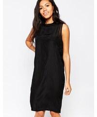 Minimum - Robe droite à encolure montante - Noir