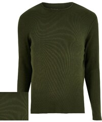 Přiléhavé zelené triko
