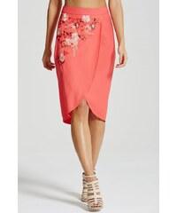 LA FEMME Korálová wrap sukně s květinovou nášivkou