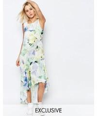 Every Cloud - Machina Carrie - Kleid mit Blumenmuster und abfallendem Saum - Mehrfarbig