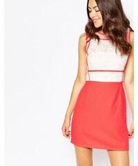 Jovonna Premier - So Little Time - Kleid mit gehäkelter Blume - Orange