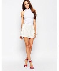 Neon Rose - Shorts mit gerüschten Seiten - Weiß